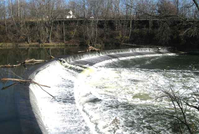 Mahoning_River_Girard_Dam
